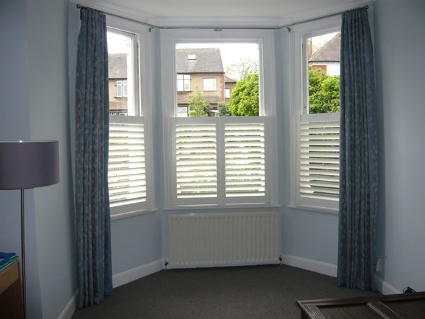 Bay Window Curtain Pole And Cafe Height Shutters Installed Muswell Hill North London By Changing Curtains Font
