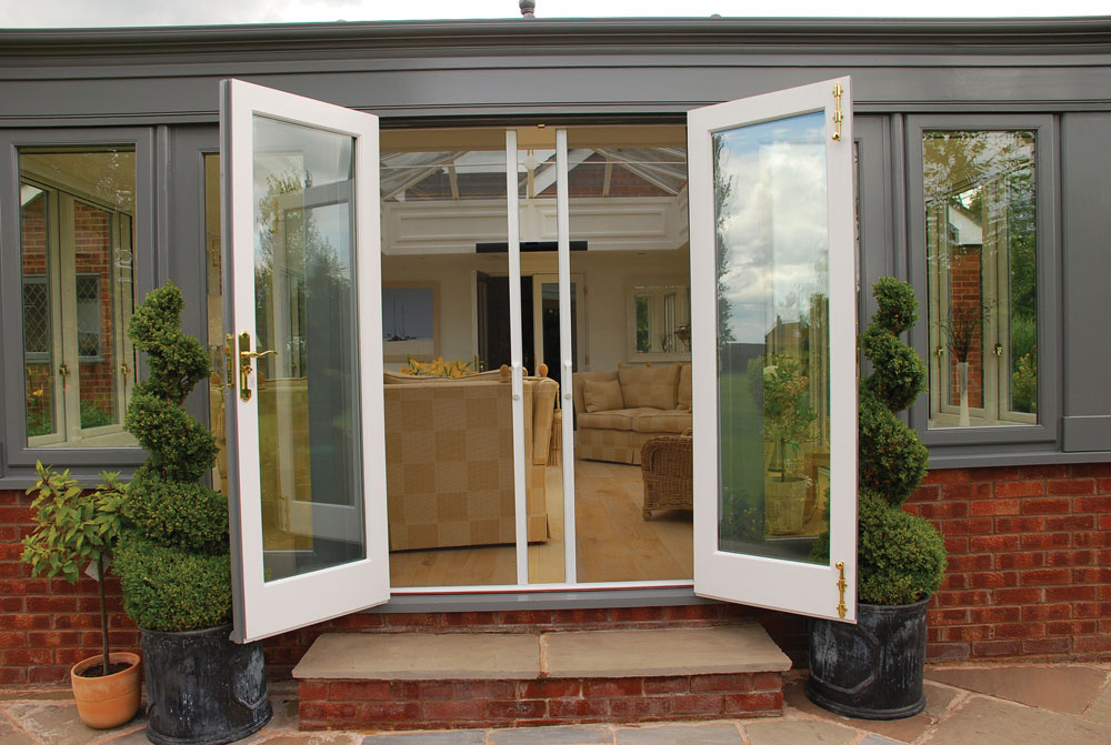 Sliding Patio Doors with Screens 1000 x 671