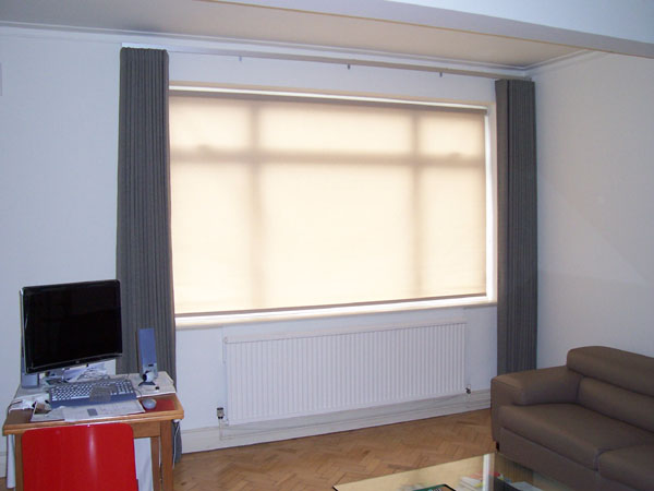 36mm Silent Gliss Metroflat With Wave System Curtains