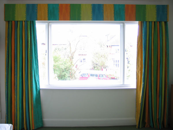 Amazing  curtains in Designers Guild fabric. The curtains were too long and 600 x 450 · 64 kB · jpeg