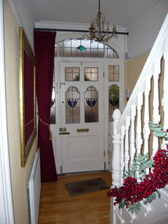 Front door curtain rail