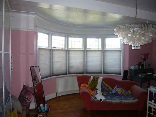 Changing curtains highgate north london bottom up blinds bottom up top down duette blinds fitted in a north london bedroom solutioingenieria Images