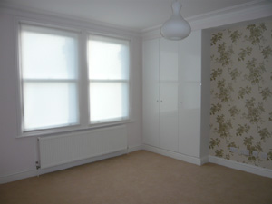 ... Simple White Roller Blinds Bedroom Down M ...