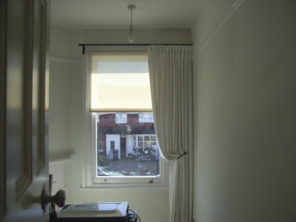 Roller blind with single curtain crouch end north london for 1 single window