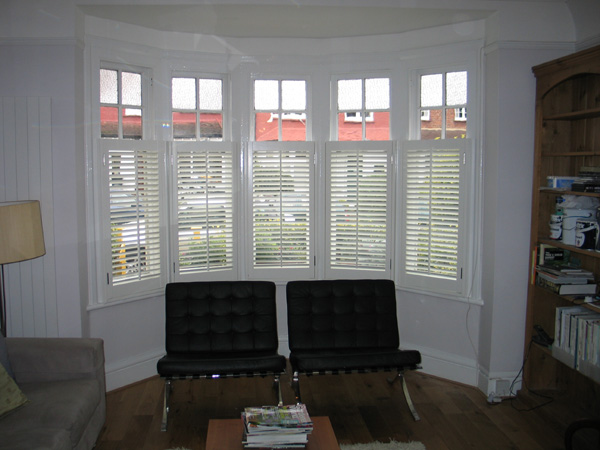 Bay window privacy, silk white with 63mm or 47mm louvres