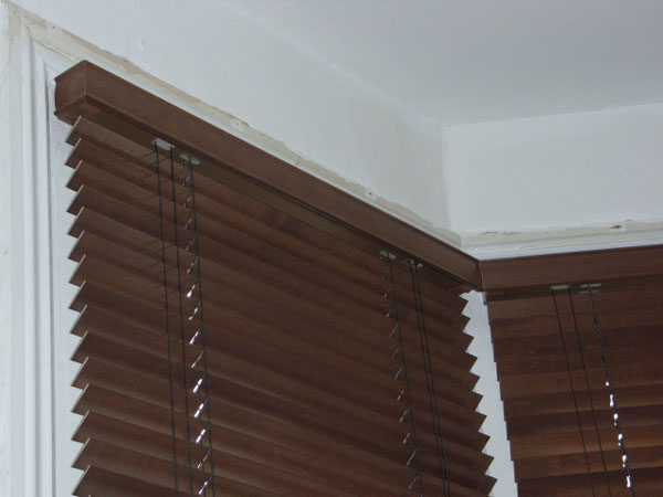 35mm auburn wood slat venetians installed in Tufnell Park ...