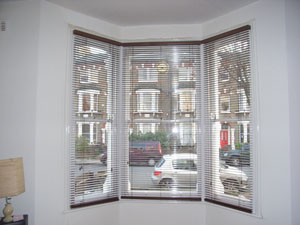 35mm auburn wood slat venetians installed in tufnell park north london