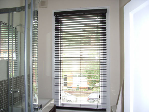 50mm Hazel Wood Slat Venetian Blind Fitted In A Small Bathroom In Highgate North London
