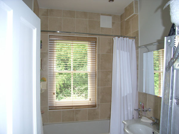 50mm Canadian Maple Wood Slat Venetian Fitted In A Bath